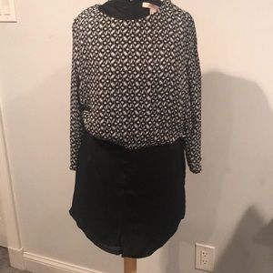 Romper black and white long sleeve zip up